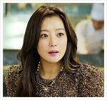 김희선, 《품위있는 그녀》에서 우아진 역을 맡아 물오른 연기력으로 호평을 받다.