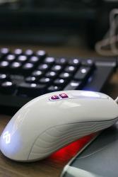 맥스틸 게이밍 마우스 G10 화이트 에디션으로 분위기 업! 업!