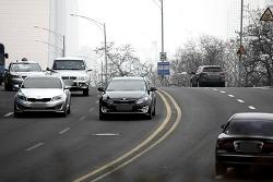 도로 위 자동차들