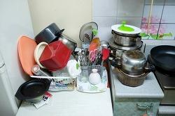 설거지 후 그릇 정돈. 뭔가 2%가 부족하다