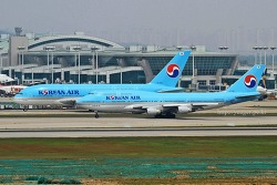 Korean Air / B747-4B5 / HL7495