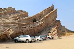 스타트렉과 많은 영화 촬영장소로 사용된 바위가 있는 바스케즈 락(Vasquez Rocks) LA카운티 공원