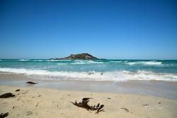 비양도와 에메랄드빛 바다가 어우러진 협재해수욕장 - 제주도여행지
