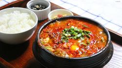 쌀쌀한 날에 먹는 칼칼한 순두부찌개, 집밥 백 선생 순두부찌개 만들기 [동영상레시피]