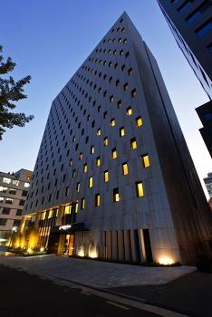 거들떠 보는 골든튤립 엠 서울 호텔 Golden Tulip M Seoul Hotel