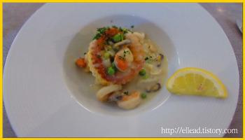 샤모니 몽블랑 : 샬레 양식의 호텔에서의 저녁 식사