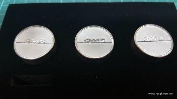 QM5 번호판 볼트 교체