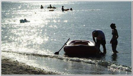 제주도 금릉해수욕장 역광으로 빛나는 아름다운 물빛 담기