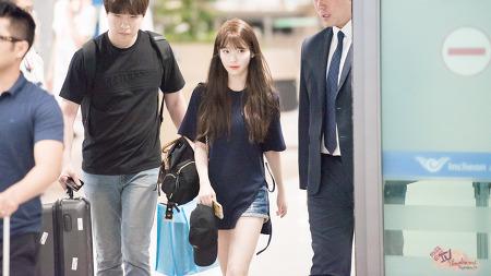160828 아이유 인천공항 입국 by 미스터신iu