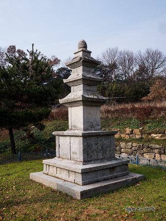 전남영광 신천리 삼층석탑 (보물 제504호)