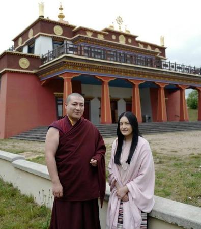 티베트 불교, 또 다른 17대 까르마빠 부부  ··· 올 9월 첫째 아이 낳는다.