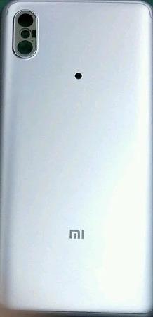 샤오미 - 듀얼카메라를 탑재한 미6X 후면 커버 유출