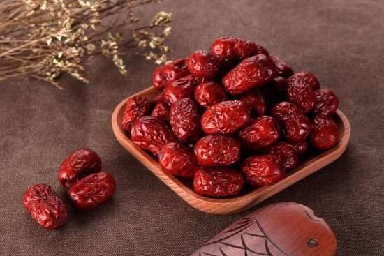 여름철에 먹는 붉은 대추 어떤 이로운 점이 있을까?