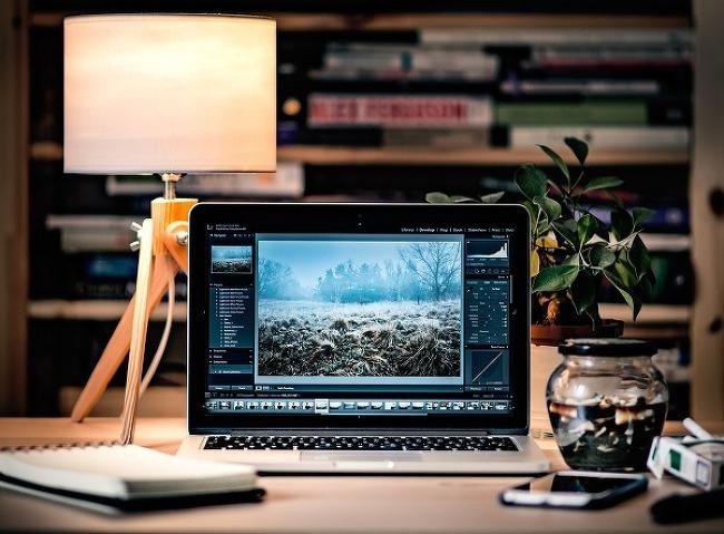 애플, 셀룰러 지원하는 맥북 준비하나?