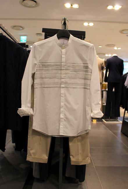 앤드지 헨리넥 화이트셔츠