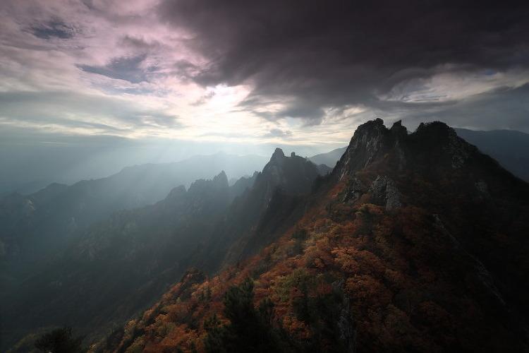 설악의 가을 10월 _ 공룡능선 아침