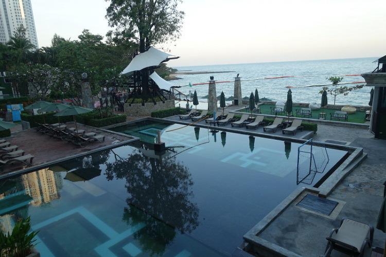 Novotel Pattaya Modus Beachfront Resort (노보텔 파타야 모더스 비치프론트 리조트)
