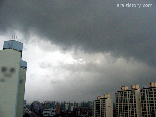 비내리기전 먹구름