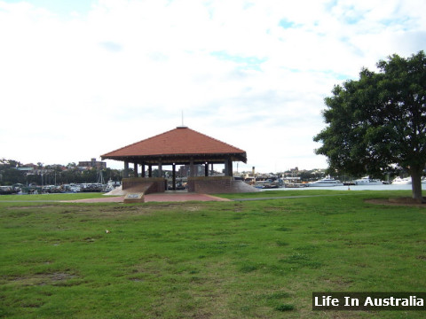 Bicentennial Park Dog Friendly