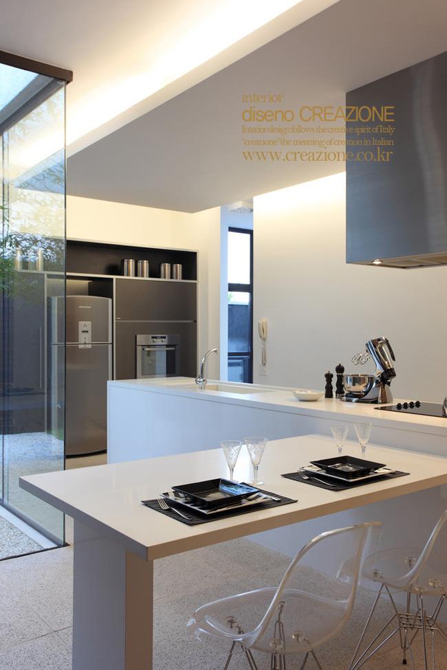 B Q Kitchen Advert