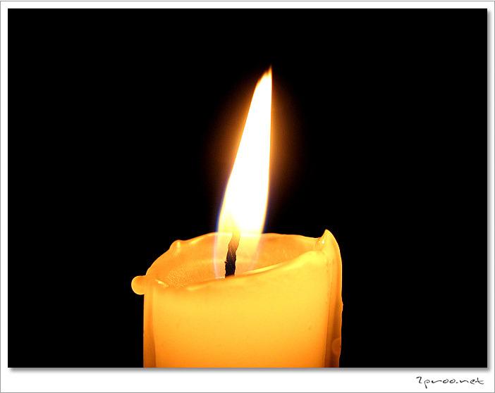 정전 사고에 대비한 촛불 사진