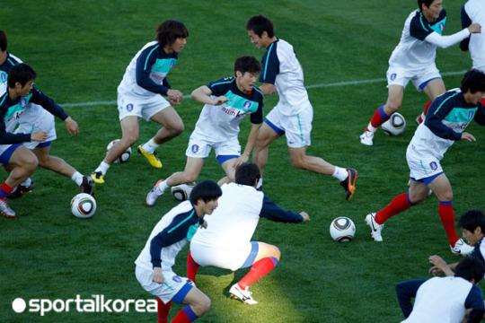 월드컵 그리스전 베스트 일레븐은 누구? '세 자리 쟁점'