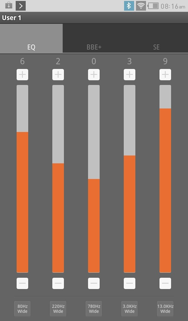 Cowon, It, Q7, Review, 개봉기, 공부, 디자인편, 뜯어먹는, 뜯어먹는 영단어, 리뷰, 배우기, 사용기, 사전, 스마트딕, 어학공부, 영어, 전자사전, 코원, 코원 Q7, 코원 Q7 Plenue 16GB, 학습, 후기코원 Q7 마켓 설치 안드로이드 태블릿코원 Q7 JetEffect5 비디오 화질  교육용 태블릿이라고 불러야겠네요. 코원 Q7에는 다양한 어학관련 어플이 미리 들어있고 안드로이드 태블릿이기 때문에 마켓을 설치해서 앱을 추가하여 확장도 자유로운 편입니다. 코원 Q7 JetEffect5로 음장효과를 즐기는것도 괜찮았구요. 이부분 때문에 기기를 선택하는분도 있으니까요. 사전도 여러가지 언어로 잘 갖춰져있고, 좀 더 재미있게 교육을 할 수 있도록 어플이 잘 갖추어져 있습니다.  가장 기본적으로 사용될 음악 부분과 동영상 부분을 살펴보도록 하겠습니다. 사실 이전의 코원 제품들과 크게 다르진 않긴 합니다. 음악의 경우에는 JetEffect5를 지원하여 조금 다양한 음장효과를 즐길수 있다는점. 그리고 어학기로 활용하는점에서 0.5배속에서 2배속까지 속도조절이 가능하다는점이 괜찮았습니다 그런데 이런 부분도 좀 약하죠? 기본적으로 코원 Q7은 듀얼스피커를 채용해서 별도의 스피커없이 그냥 듣더라도 꽤 괜찮은 사운드를 들려줍니다. 물론 이어폰을 사용하는 분은 큰 의미는 없을지도 모르겠지만요.  동영상 재생에 있어서는 꽤 괜찮은 화질로 영상을 볼 수 있었습니다. 그리고 1080P 동영상을 그냥 넣더라도 재생이 가능합니다. 별도의 인코딩을 하지 않아도 된다는점 그리고 MicroSD메모리로 메모리를 확장하여 사용가능하다는점등은 여러모로 활용전에 준비시간을 단축시켜줄 것 입니다.