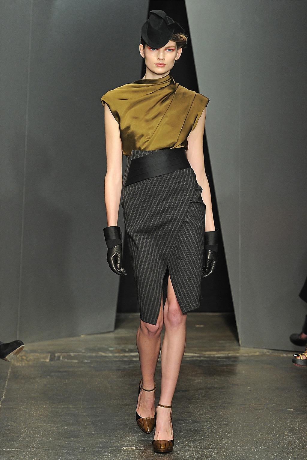 Dkny Fashion Show  Isabella Rosselini