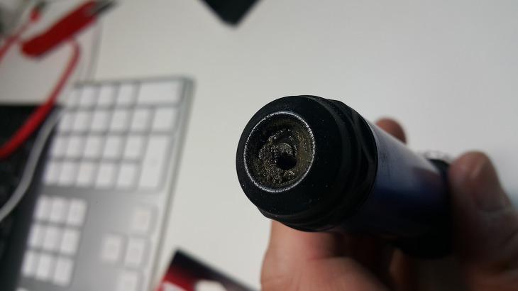 샤프트가 부러져 파손된 사진