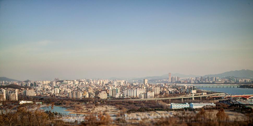 하늘공원에서 바라본 서울의 풍경. -ts렌즈로 촬영되어 미니어쳐처럼 보인다.