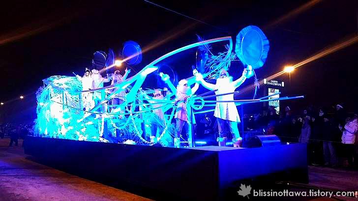 북극 에스키모 전통 춤입니다