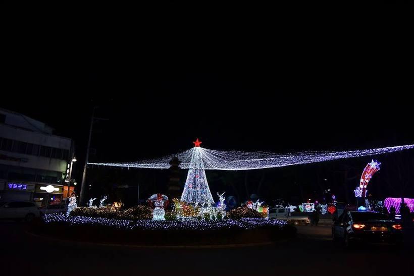 거창 크리스마스 트리문화축제 : 추운 겨울밤을 아름다운 빛으로 따뜻하게 거창읍 시내를 감싸는 크리스마스 축제