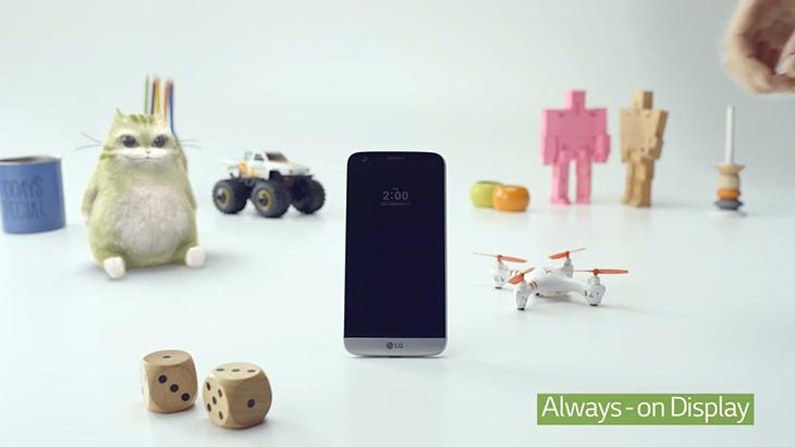 LG G5 ,리뷰, 메탈, 듀얼카메라, 매직 슬롯 ,기능 확장,IT,IT 제품리뷰,루머가 한참일 때 긴가민가 했던 내용들이 모두 사실이었네요. 드디어 오픈이 되었습니다. LG G5 리뷰를 통해서 기능들을 알아볼텐데요. 메탈 듀얼카메라 매직 슬롯 기능 확장 등이 바뀐 부분이네요. 퀄컴 스냅드래곤 820을 사용하고 5.3인치 쿼드HD 디스플레이 그리고 DDR4 4GB 로컬 메모리로 나옵니다. LG G5 리뷰는 추후에 기기를 직접 설명하면서 더 자세히 소개를 할 테지만 이번시간에는 영상을 통해서 기능들을 간단히 알아볼 것 입니다.