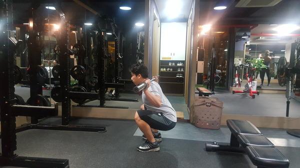 풀 스쿼트(Full spuat)