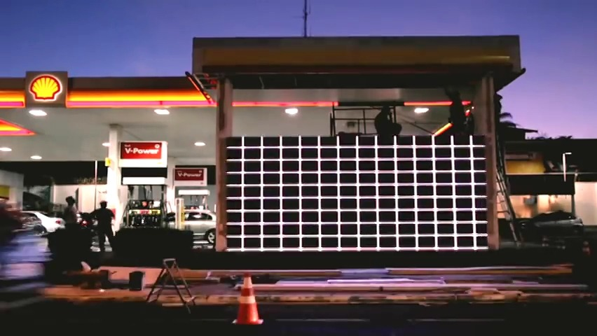 주유소에만 가면 내 차가 레이싱카로 변한다! 쉘(Shell)의 에탄올 바이오연료 V-Power를 알리기 위한 캠페인, 경주용 자동차 변신/스탁 카 트랜스포머(Stock Car Transformer) [한글자막]