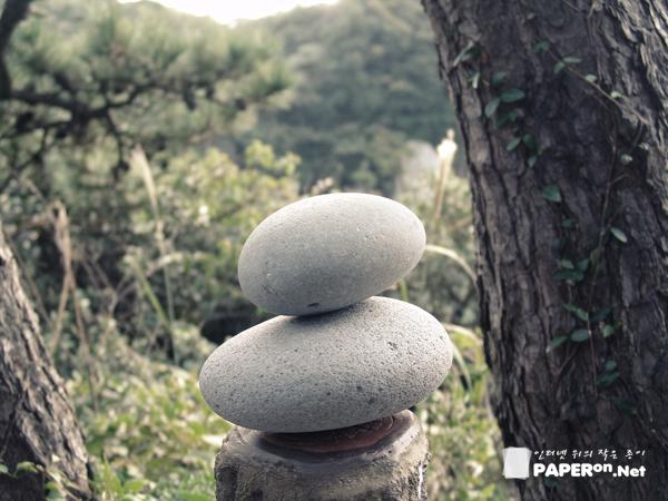 풍림리조트 해안가에서 만난 돌탑