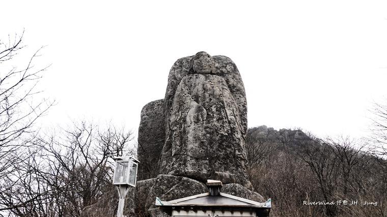 대구 팔공산 동봉 석조약사여래입상(大邱 八公山 東峰 石造藥師如來立像)