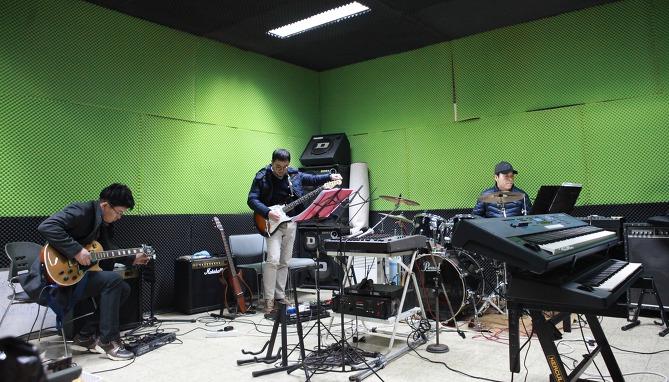한화토탈 음악동호회 턴어라운드