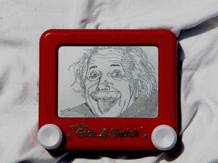 추억의 장난감(에치어스케치)으로 만든 예술적인 그림