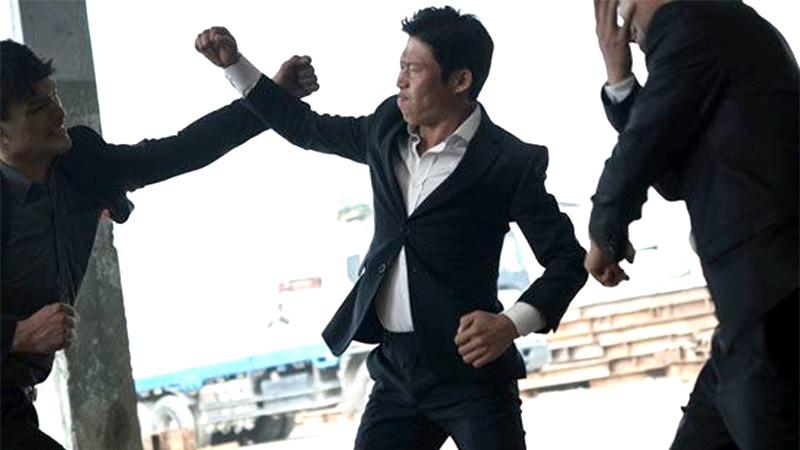 사진: 단역 배우에서 액션씬으로 주연배우가 되는 킬러 유해진.