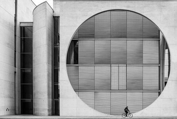 건축 부문 3위. 베를린의 바이커(Wenpeng Lu)
